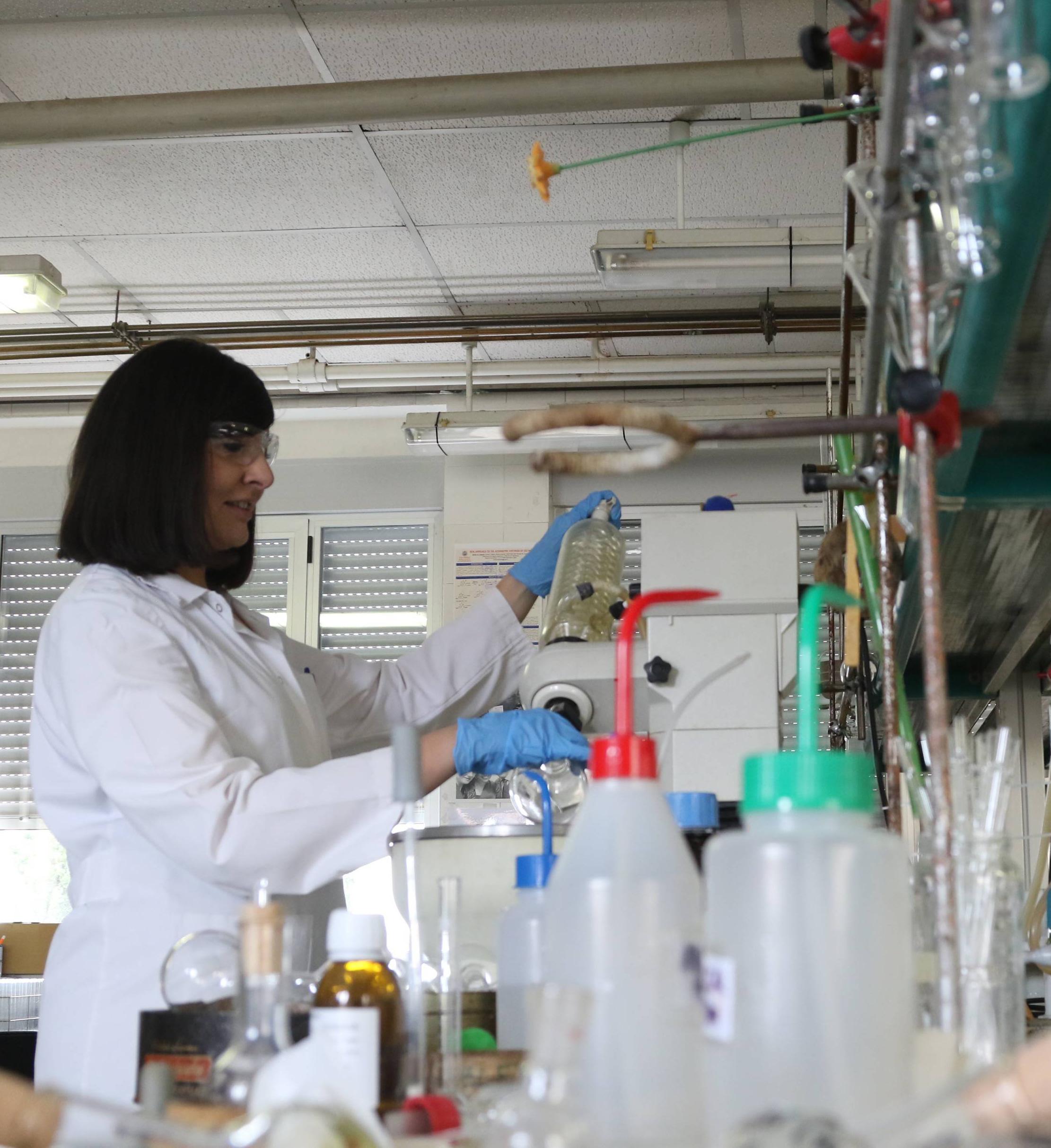 Entrevista a la Científica del Centro del Cancer ángela Hernández García